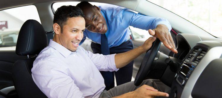 4 coisas que você precisa considerar ao comprar o primeiro carro